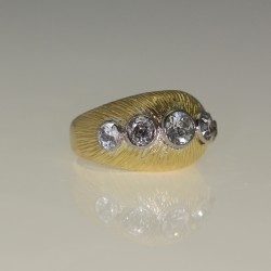 Bague diamants.