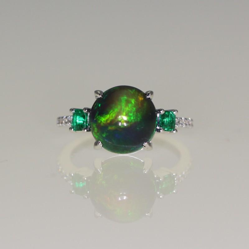 Bague opale noire